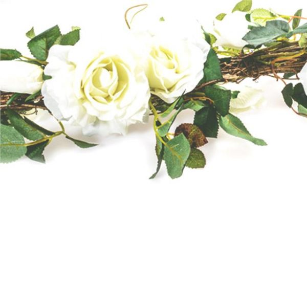 garland of white artificial roses