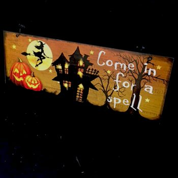 come in for a spell wooden Halloween plaque