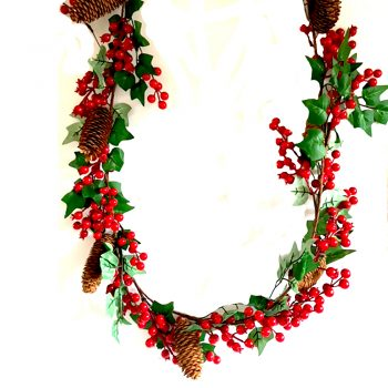 Ivy leaf garland with red berries and pine cone decorations