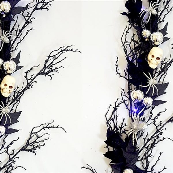 skull and spider Halloween garland with lights