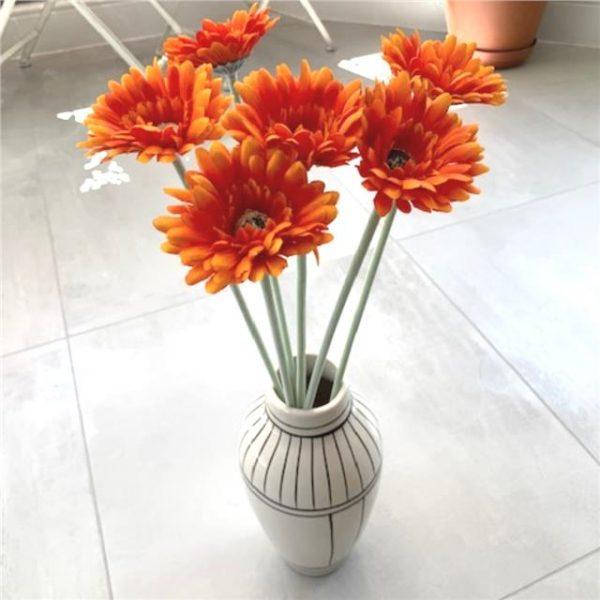 https://shared1.ad-lister.co.uk/UserImages/7eb3717d-facc-4913-a2f0-28552d58320f/Img/artificialfl/Set-of-6-Artificial-Gerbera-Flower-Orange.jpg