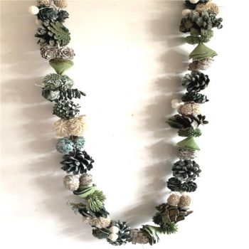Natural Frosted Garland with Pine Cones - 150cm Cream and Green