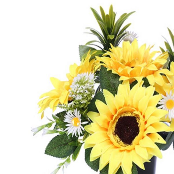 https://shared1.ad-lister.co.uk/UserImages/7eb3717d-facc-4913-a2f0-28552d58320f/Img/memorialpots/25cm-Cemetary-Pot-with-Sunflowers-and-daisies.jpg