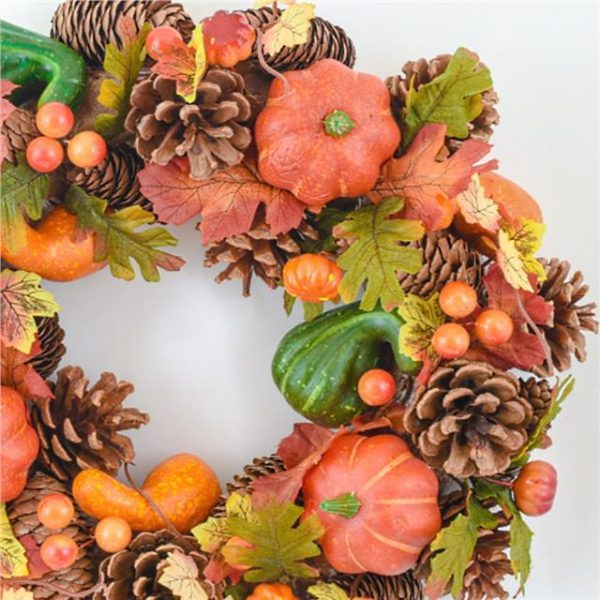 https://shared1.ad-lister.co.uk/UserImages/7eb3717d-facc-4913-a2f0-28552d58320f/Img/autumnfoliag/Pumpkin-Pinecone-and-Berry-Autumn-Wreath-35cm.jpg